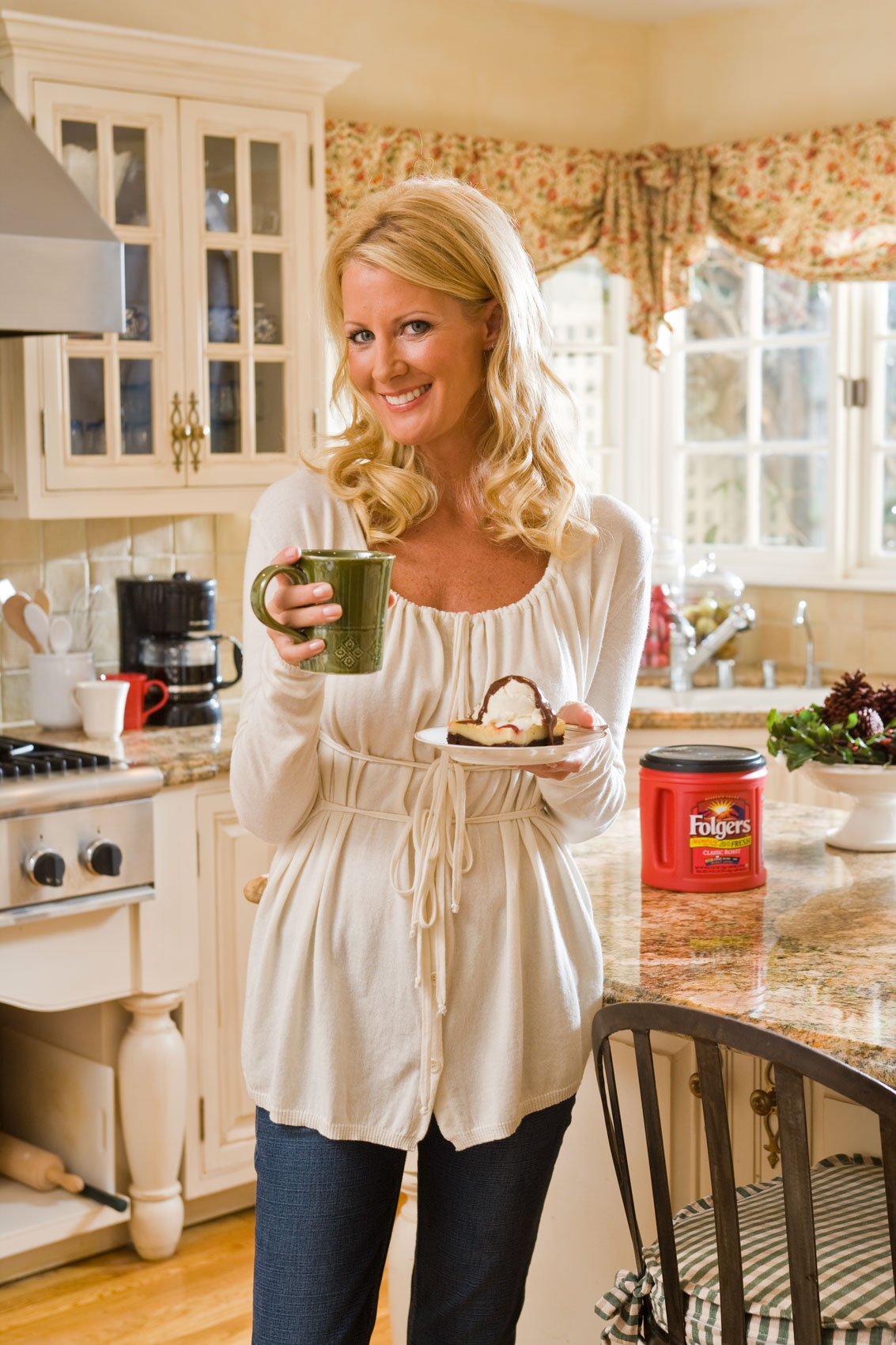 Portrait of Sandra Lee in the Kitchen, Folgers ad campaign by Michael Weschler, photographer